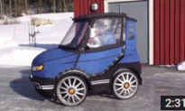 Swede Designs Tiny Bike-Car for Healthy Commuting in Tough Weather