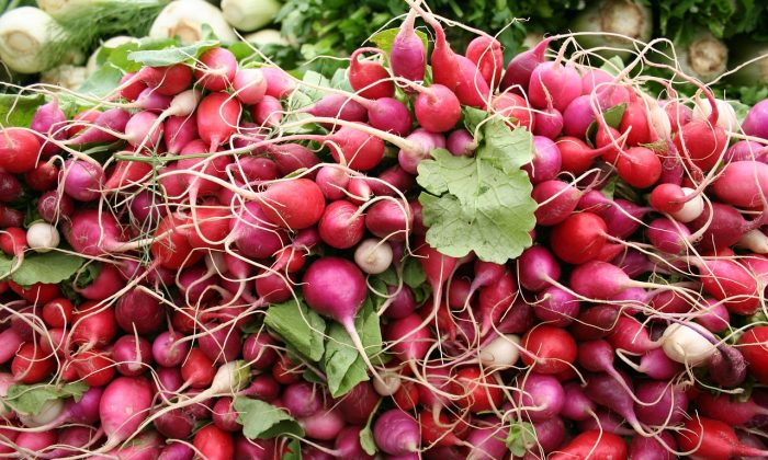 Radishes are believed to originate from China. (Public domain)