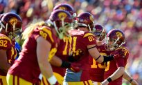 USC Trojans Football: Blind Long Snapper Jake Olson Participates in Spring Football Game