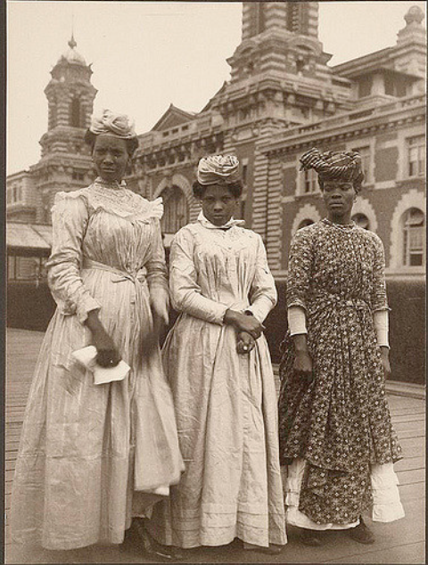 Three women from Guadeloupe. (NYPL)