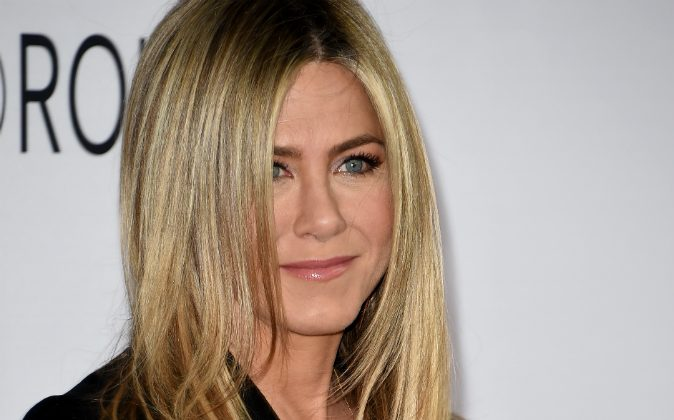 Jennifer Aniston arrives for the premiere of 'Mother's Day' at TCL Chinese Theatre IMAX in Hollywood, California on April 13, 2016. (MARK RALSTON/AFP/Getty Images)