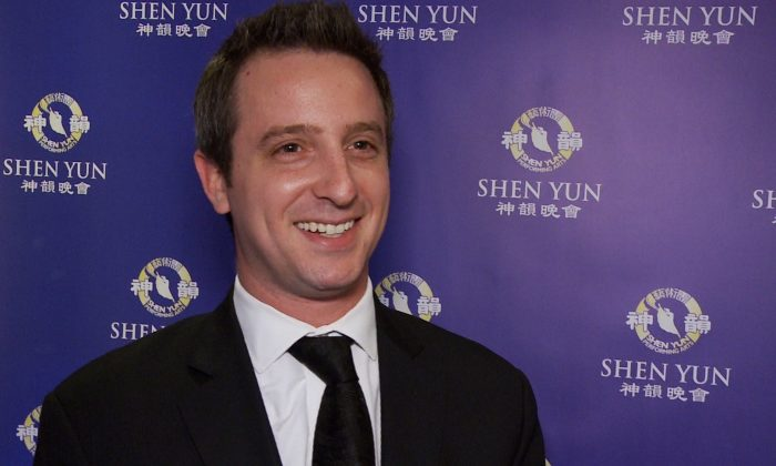 Immigration lawyer Dov Maierovitz praised Shen Yun's magical scenes after taking in the performance on opening night at the Sony Centre for the Performing Arts on April 21, 2016. (NTD Television)