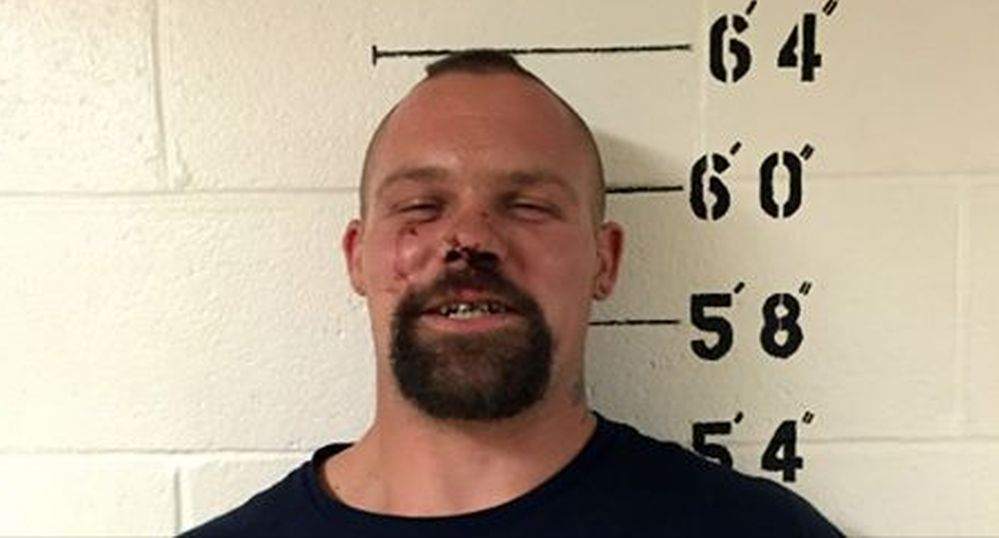 Iowa High School Teacher Shows Up to Prom Drunk, Gets Arrested