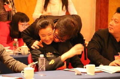 Jacky Chan and Song Zuying. (Internet Photo)