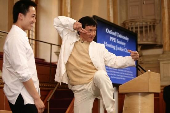 Jacky Chan and Bo Guagua. (Internet Photo)