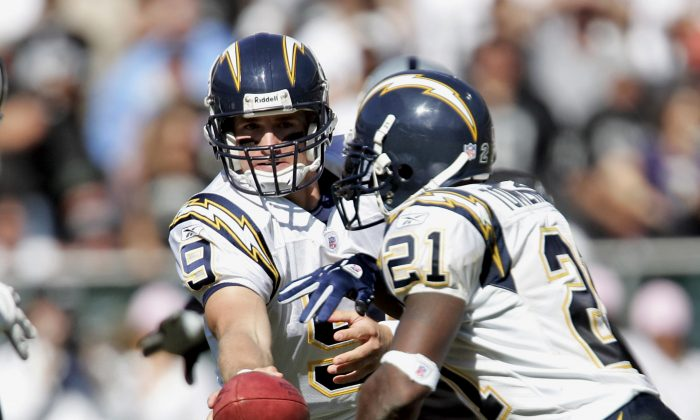 Former Chargers teammates Drew Brees (L) and LaDanian Tomlinson are future Hall-of-Famers and were taken by the team in the 2001 NFL Draft. (Robert B. Stanton/NFLPhotoLibrary)