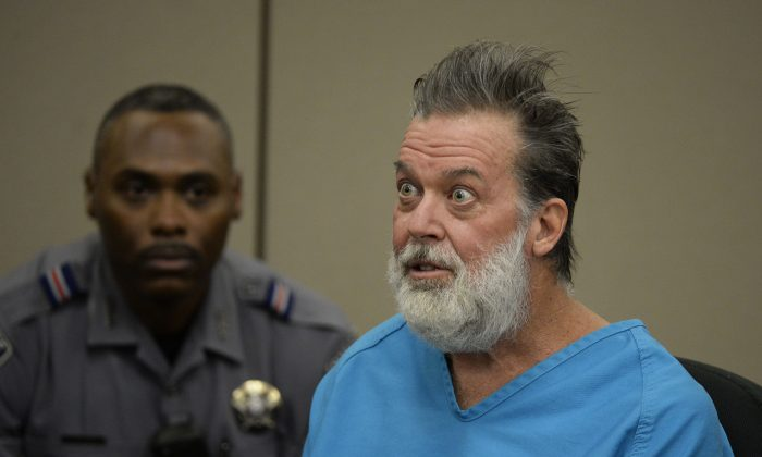 Robert Lewis Dear addresses Judge Gilbert Martinez during a court appearance Dec. 9, 2015 in Colorado Springs, Colorado. (Andy Cross-Pool/Getty Images)