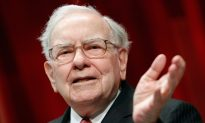 Warren Buffett Looking Into Yahoo Acquisition, While Berkshire Hathaway Buys 9.8 Million Apple Shares