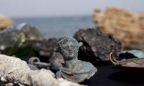 Video: Israeli Divers Find Massive Treasure From a Roman Shipwreck 1,600 Years Ago