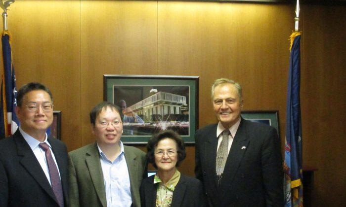 (L-R) Dr. Joe Zhao, Dr. Peter Li, Anna Chang, and Sen. John Bonacic in Albany on May 16, 2016. (courtesy office of Sen. Bonacic)