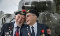 Disabled Veteran Holds Flag for 9 Hours On Memorial Day