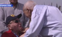 Holocaust Survivor Meets WWII Veteran Who Saved Him in Tearful Reunion