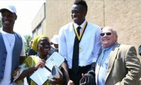 Teen With Cerebral Palsy Leaves Wheelchair, Walks for First Time to Get Diploma