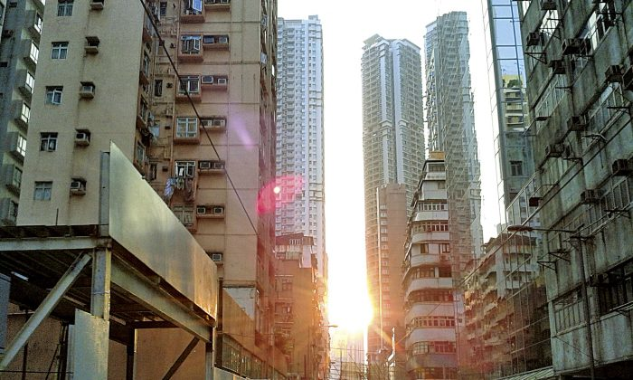 A Sai Wan street during a gorgeous sunset offers a glimpse of the warmth and cosiness of old Hong Kong. (Yi Yi)