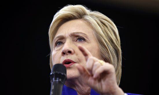 Clinton Seeking to Disqualify Trump on Handling of Economy