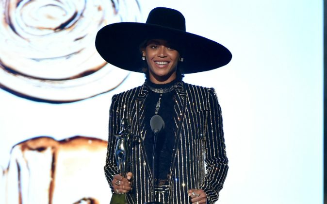 Beyonce accepts The CDFA Fashion Icon Award onstage at the 2016 CFDA Fashion Awards at the Hammerstein Ballroom on June 6, 2016 in New York City. (Theo Wargo/Getty Images)
