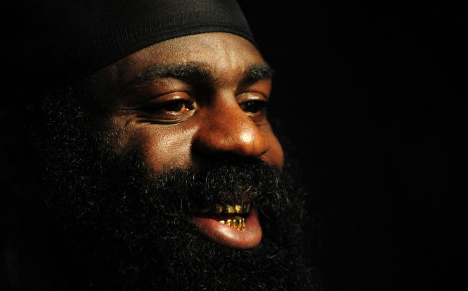 MMA Heavyweight Sensation Kimbo Slice is seen during the Workout/Media Day with Kimbo Slice and Gina Carano at the Legends Mixed Martial Arts Training Center on September 17, 2008 in Los Angeles, California. (Robert Laberge/Getty Images)