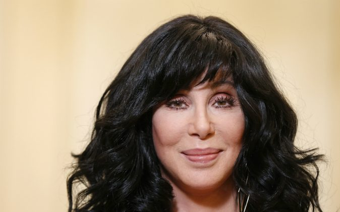 US singer and actress Cher poses on October 10, 2013 in Paris. ( FRANCOIS GUILLOT/AFP/Getty Images)