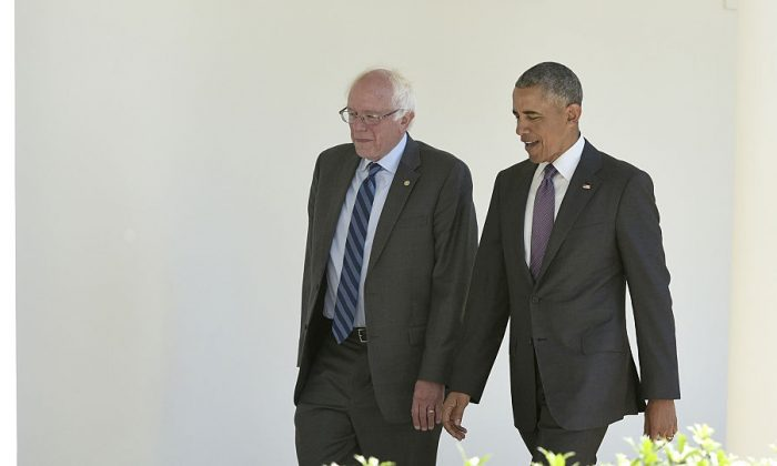 US President Barack Obama (R) walks with Democratic presidential candidate Bernie Sanders  on June 9, 2016 at the White House in Washington, DC. (Mandel Ngan/AFP/Getty Images)