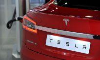 Video: Elon Musk Says Tesla Model S Floats Like a Boat in an Emergency