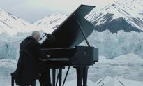 Video: Breathtaking Performance by Italian Pianist as He Floats Among Crumbling Arctic Glacier