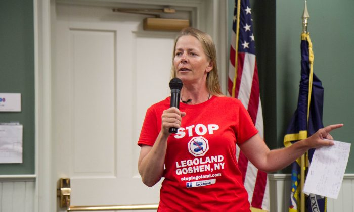 Melanie Turner speaks about LEGOLAND at a Goshen Town Board meeting on June 30, 2016. (Holly Kellum/Epoch Times)