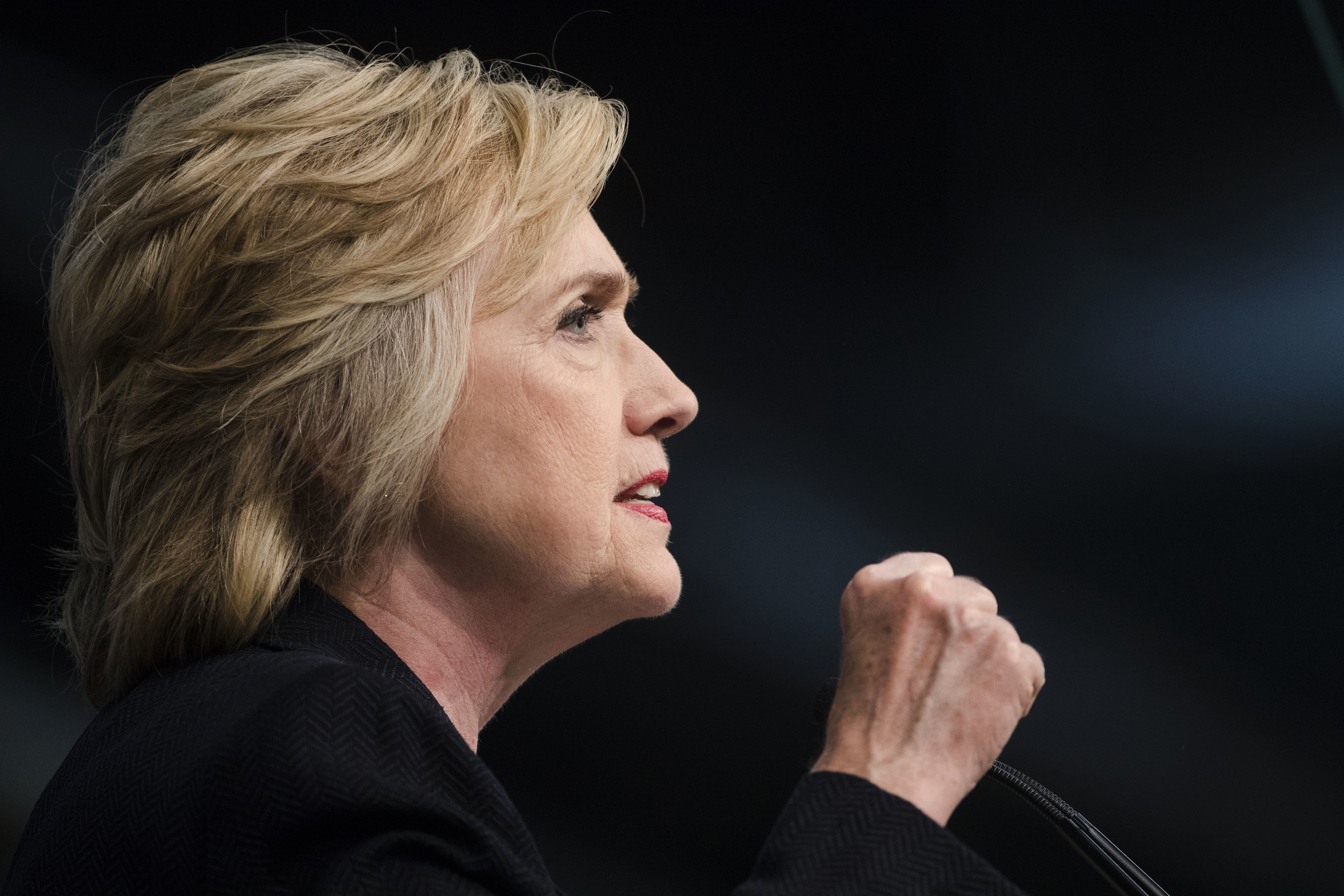 Clinton Defends Public Statements on Email Use, Contradicts FBI Investigation