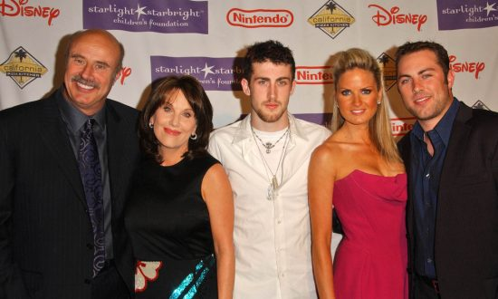 """Dr Phil McGraw and family at Starlight Starbright Children's Foundation's """"A Stellar Night 2007"""" benefit gala. Beverly Hilton Hotel, Beverly Hills, CA. (s_bukley/Shutterstock.com)"""