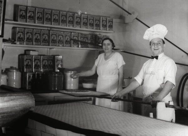 Frank Pepe with his wife Filomena. (Courtesy of Frank Pepe Pizzeria Napoletana)