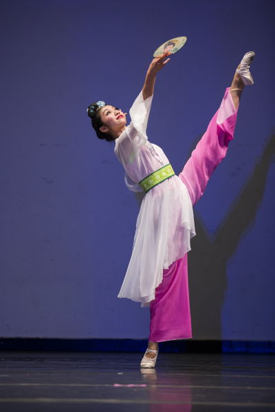 Li Kexin in the 2012 International Classical Chinese Dance Competition. (Edward Dai/Epoch Times)