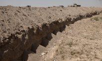Iraq Digs Security Trench Around Fallujah