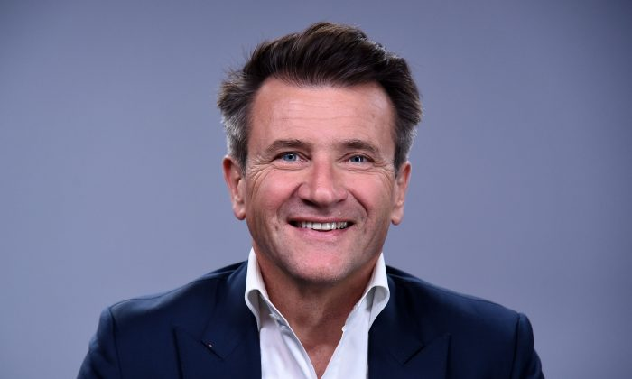 """TV personality Robert Herjavec from """"Shark Tank"""" visits LinkedIn for an Interview with Daniel Roth at LinkedIn Studios on April 26, 2016 in New York City.  (Photo by Ilya S. Savenok/Getty Images)"""
