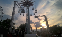 19 People Trapped on Fairground Ride in London