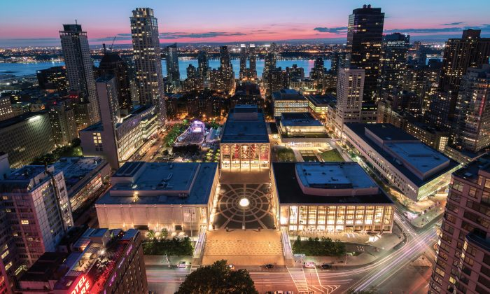 Lincoln Center plaza. (Iñaki Vinaixa for Lincoln Center)