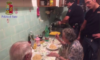 Police Officers Cook a Meal for Lonely Senior Couple in Heartwarming Act (Video)