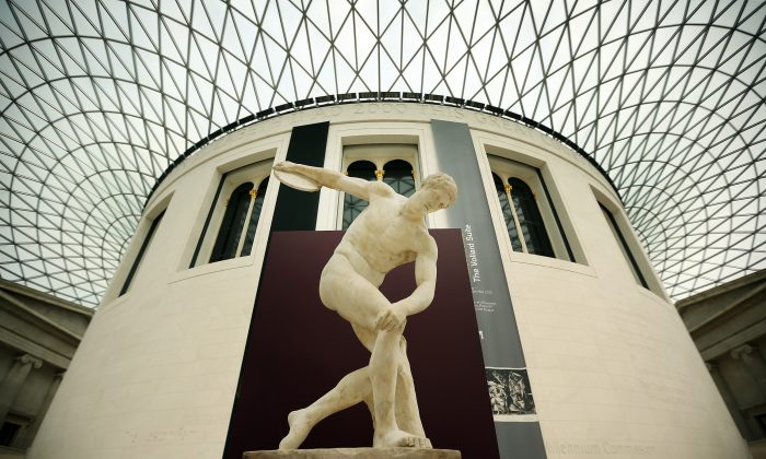 """The Townley Discobolus is displayed in The British Museum's """"Winning at the ancient Games"""" victory trail in London, England, on June 1, 2012. (Peter Macdiarmid/Getty Images)"""
