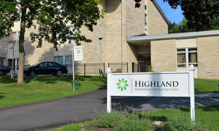 Highland Rehabilitation Nursing Center in Middletown on Aug. 16, 2016. (Yvonne Marcotte/Epoch Times)