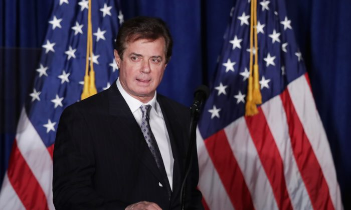 (FILE) Paul Manafort, former campaign manager for Donald Trump, checks the teleprompters before Trump's speech at the Mayflower Hotel April 27, 2016 in Washington, DC. (Chip Somodevilla/Getty Images)