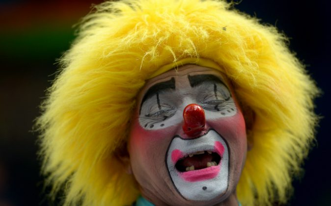 A clown participates in celebrations of the 8th Festival of Laughter held in San Salvador, on May 18, 2016. Clown sightings in Chicago has parents on edge. (MARVIN RECINOS/AFP/Getty Images)