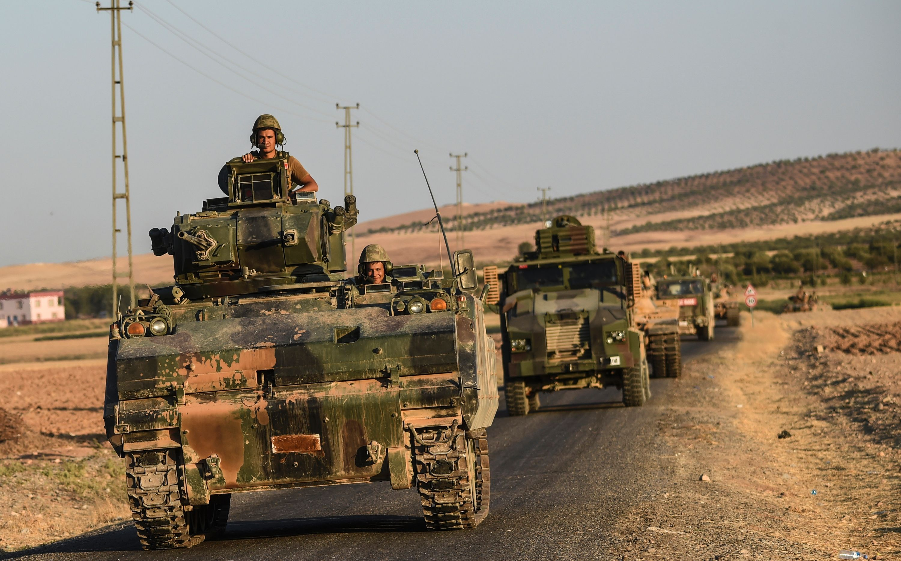 Hundreds of Western Anti-ISIS Fighters Send Themselves to the Front