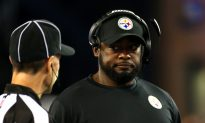 Pittsburgh Steelers Coach Speaks Out After Anthem Controversy