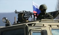 Ukraine Fears Invasion by Russia as European Unity Weakens