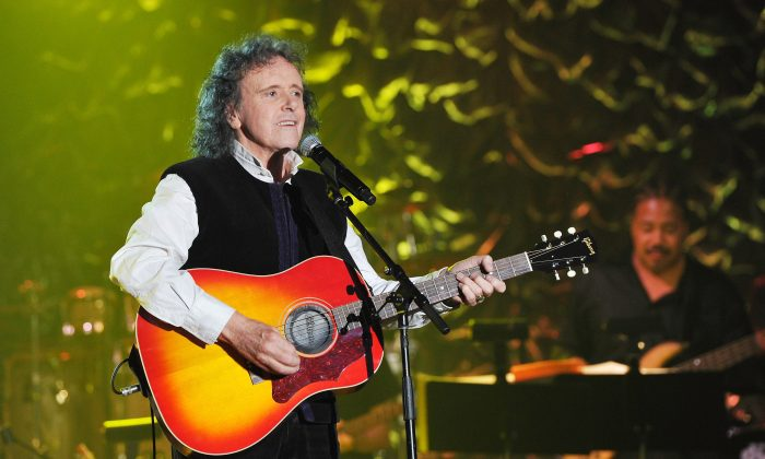 NEW YORK, NY - JUNE 12:  Donovan performs onstage at Songwriters Hall Of Fame 45th Annual Induction And Awards at Marriott Marquis Theater on June 12, 2014 in New York City.  (Larry Busacca/Getty Images for Songwriters Hall Of Fame)