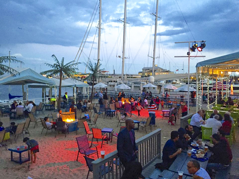 The outdoor dining area at Surf City. (Courtesy of Surf City)