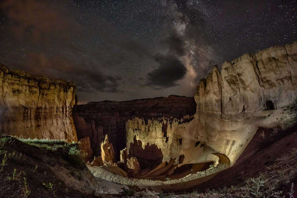 The night sky over Bryce Canyon National Park in Utah. (Harun Mehmedinovic and Gavin Heffernan/SKYGLOW)