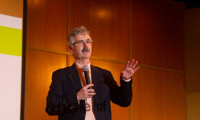 David Adams, the co-director Emerge, of a training site for abusive men in Cambridge, Massachusetts speaks at the Orange County Cares Symposium on domestic violence in Goshen on Sept. 23, 2016.(Holly Kellum/Epoch Times)