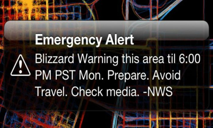 Wireless Emergency Alert on an iPhone. (Aaron Parecki|via Flickr|CC BY 2.0)