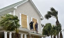 Disney World Parks Closing Early Over Hurricane Matthew