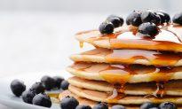 Easy Pumpkin-Blueberry Pancakes