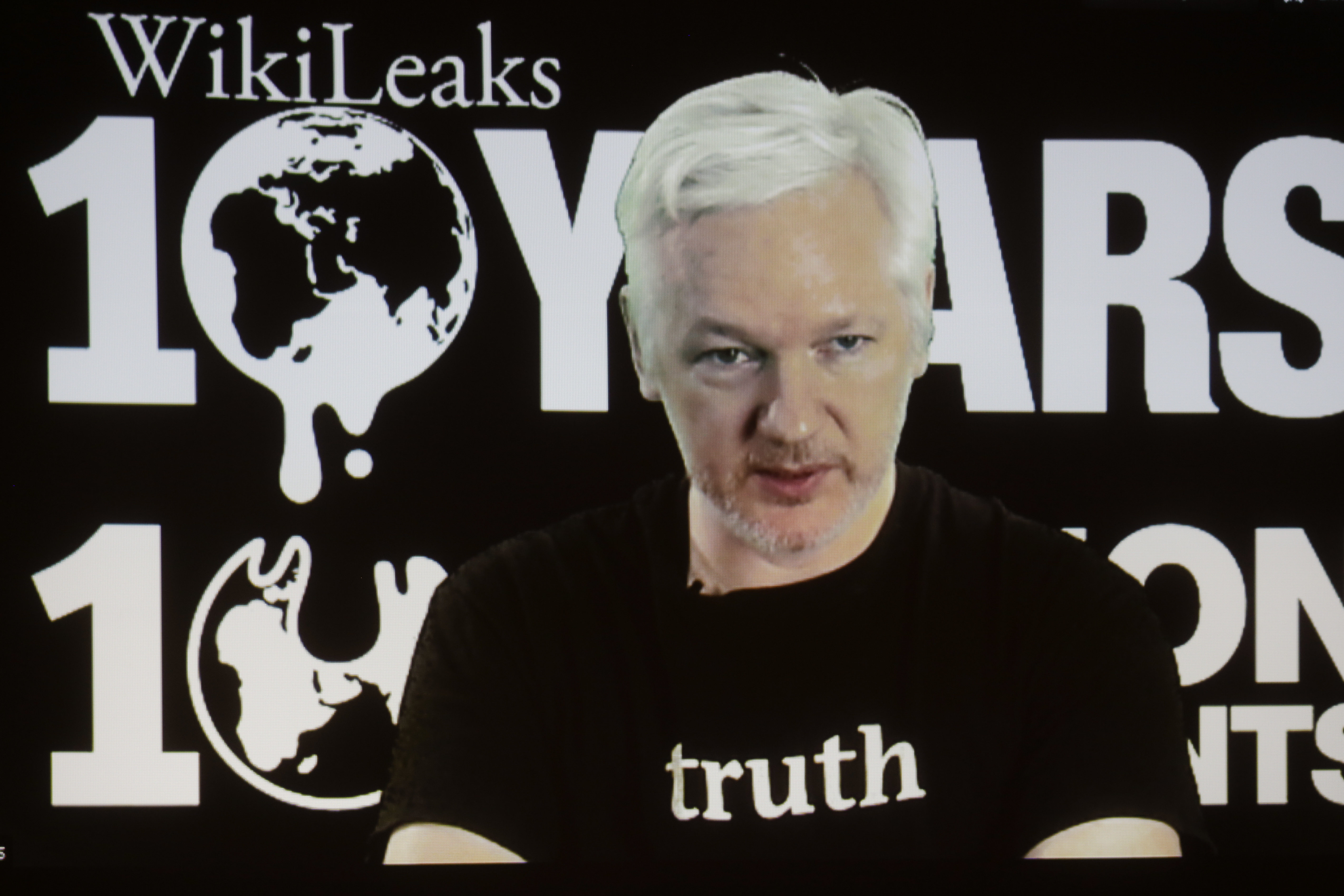 WikiLeaks' Julian Assange Defends Clinton Email Leaks